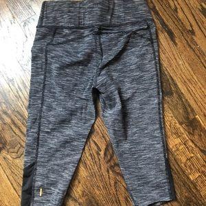 Lucy Powermax Cropped Capri Pants  x-training